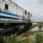 Perjalanan KA Jakarta-Surabaya tertunda 9 jam
