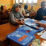 DINAMIKA PENDIDIKAN SOLO : Belum Bayar Buku, Rapor Siswa Ditahan