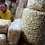 HARGA KOMODITAS : Harga Meningkat, Permintaan Kacang Mete Tetap Tinggi