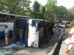 Sejumlah titik di beberapa ruas jalan utama di Wonogiri memiliki tingkat kerawanan kecelakaan yang tinggi. Foto memperlihatkan kecelakaan yang terjadi di tikungan Krisak beberapa waktu lalu. (Dok/JIBI/Solopos)
