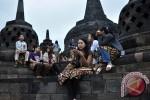 Wisatawan mengunjungi Candi Borobudur (JIBI/Harian Jogja/Antara)