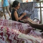 UMKM KULONPROGO : Batik Abstrak, Pilihan Berbusana Batik Gaya Kontemporer