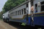 Gerbong KA Lodaya Solo-Bandung Anjlok di Garut