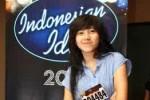 INDONESIAN IDOL 2012: Dera Tak Percaya Disejajarkan Dengan Agnes