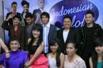 INDONESIAN IDOL 2012: DION Nyanyi Lagu Yang Sempat Dipopulerkan BENYAMIN SUEB. Trio A Juga Kasih Pujian