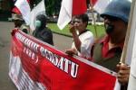PROTES PEMERINTAH: Aktivis GRB Gelar Aksi Bungkam Mulut