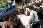 JOB MARKET FAIR-- Patusan pelamar mulai memadati Job Market Fair diselenggarakan Pemkab Boyolali, Selasa (29/5/2012) di Wisma Haji, Boyolali. (Farida Trisnaningtyas/JIBI/SOLOPOS)