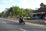PELEBARAN JALAN--Ruas jalan raya Boyolali-Sruwen mulai dilebarkan, Kamis (31/5/2012). Pelebaran jalan sepanjang 7 kilometer ini ditargetkan selesai akhir tahun ini. ( Farida Trisnaningtyas/JIBI/SOLOPOS)