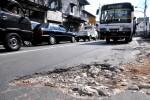 INFRASTRUKTUR GUNUNGKIDUL : Lubang Bertebaran di Jalan Nasional