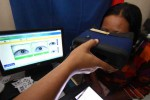 Seorang warga tengah menjalani proses perekaman data biometrik untuk pembuatan e-KTP di Kantor Dinas Kependudukan dan Pencatatan Sipil Kota Jogja, beberapa waktu lalu. E-KTP juga memiliki kerawanan jika ada peretas yang masuk ke dalam database yang tidak terjamin keamanannya. (JIBI/Harian Jogja/Gigih M Hanafi)