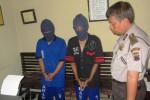 Dua tersangka pengedar narkotika jenis ganja diamankan di Mapolres Boyolali, Kamis (19/7/2012). (Farida Trisnaningtyas/JIBI/SOLOPOS)