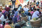 Warga Sruni nyadran bersama, Kamis (5/7/2012), di permakaman Dukuh Mlambong, Desa Sruni, Kecamatan Musuk, Boyolali. (Istimewa)