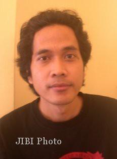 Bandung Mawardi, Pengelola Jagat Abjad Solo