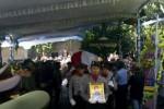 Pelepasan jenazah Bripka Dwi Data Subekti, korban penembakan di pos polisi Singosaren, Serengan, Solo, Jumat (31/8/2012). (JIBI/SOLOPOS/Indah Septyaning Wardani)
