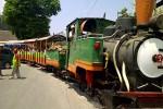 Wahana kereta api masih menjadi primadona bagi pengunjung Agrowisata Sondokoro. (Indah Septiyaning W/JIBI/Solopos)