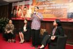 Joko Widodo memberikan penjelasan dalam forum tanya jawab saat menghadiri acara halalbihalal gabungan organisasi perempuan dan pengusaha di Jakarta, Senin (10/9/2012). (JIBI/Bisnis Indonesia/Kelik Taryono)
