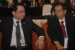 Ketua DPR Marzuki Alie dan Walikota Solo Joko Widodo dalam sebuah acara resmi di Solo beberapa waktu lalu. (JIBI/SOLOPOS/Agoes Rudianto)