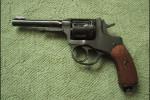 Wow, Veteran Perang Dunia II Taklukkan Maling Dengan Pistol Antik Tahun 1916!