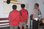 Dua tersangka pencuri kabel di Mojosongo, Boyolali, Senin (22/10/2012). (Septhia Ryanthie/JIBI/SOLOPOS)