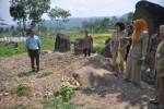 SITUS WATU KANDANG: Warga Diminta Serahkan Salinan Sertifikat Tanah