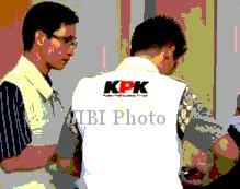 Ilustrasi penyidik KPK melakukan penggeledahan. (skalanews.com)