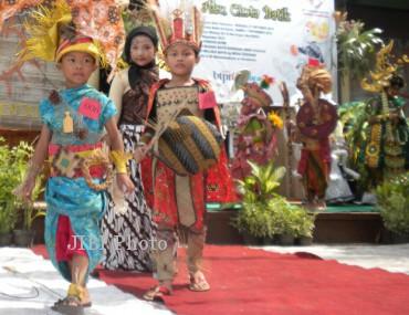 10fashion show batik3