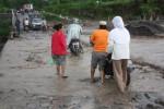 Banjir lahar dingin pada akhir November tahun 2011 lalu. (Foto: Dokumentasi)