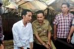 Jokowi (kiri berbaju putih). (Foto: Dokumentasi)