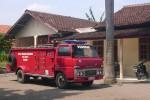 Mobil Pemadam Kebakaran Pemkab Sragen yang ditempatkan di Gemolong ini sudah cukup tua. Nasib sejumlah petugasnya pun bisa dibilang sama-sama memrihatinkan dengan kondisi mobil ini. (JIBI/SOLOPOS/Mahardini Nur Afifah)