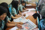 Para peserta pelatihan jurnalistik SOLOPOS-Suzuki Nex Goes to School di SMKN Banyudono, Boyolali, tengah memraktikkan teknik pembuatan berita dalam pelatihan di sekolah setempat, Rabu (12/12/2012). 9JIBI/SOLOPOS/R Bambang Aris Sasangka)