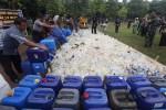 Polres Musnahkan 8.000 Liter Ciu