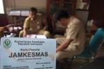 Kartu peserta Program Jamkesmas 2013 bagi warga miskin dan rentan miskin mulai dibagikan di Kabupaten Boyolali. Foto diambil belum lama ini. ( Septhia Ryanthie/JIBI/SOLOPOS)