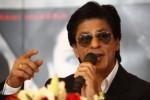 BOLLYWOOD : Shahrukh Khan Jawab Tudingan Penyuka Sesama Jenis
