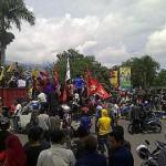 "5.000 Demonstran Kawal Paripurna ""Pengadilan"" Aceng"