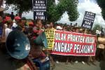 Warga Pandeyan Tuntut Pembongkaran Dinding Gudang SSI