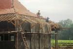 PUTING BELIUNG: 2 Proyek Pembangunan Rp3,7 M di Jatiroto Tersendat