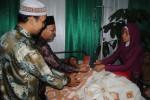 Sakit Usus Buntu, Antar Wahyu-Darmi Menikah di Bangsal RS