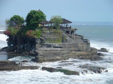 Tanah Lot (indonesia-asia-holiday.com)