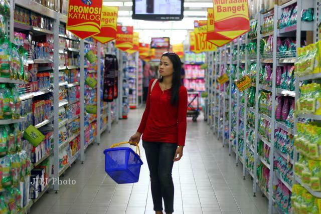 Ilustrasi pembeli di toko modern. (Dwi Prasetya/JIBI/Bisnis)