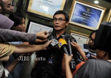 Juru Bicara KPK, Johan Budi, membantah ada desakan dari pihak-pihak tertentu dalam penetapan kasus Anas Urbaningrum sebagai tersangka kasus Hambalang, Jumat (22/2/2013). dokJIBI/SOLOPOS/Ant