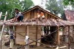 PUTING BELIUNG SUKOHARJO: 93 Rumah di Kartasura Rusak, Trafo PLN Meledak