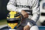 Pembalap Mercedes, Lewis Hamilton, pesimistis mampu merebut juara dunia Formula One (F-1) 2013. Hamilton merendah dirinya belum mampu disejajarkan dengan dua pesaingnya, Sebastian Vettel dari Red Bull dan Fernando Alonso dari Ferrari. dokJIBI/SOLOPOS/Reuters