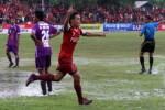Pemain Persis Solo, Bayu Nugroho (ketiga dari kiri), meluapkan kegembiraan setelah berhasil mencetak gol ke gawang Persik Kediri di Stadion Sriwedari, Solo, beberapa waktu lalu. Persis dituntut untuk menang saat menghadapi PPSM Magelang di Stadion Madya, Magelang, Sabtu (30/3/2013). dokJIBI/SOLOPOS/Burhan Aris Nugraha