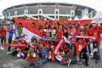 Puluhan suporter Indonesia saat memberi dukungan pada timnas di Stadion Bukit Jalil, Malaysia, beberapa waktu lalu. dokJIBI/SOLOPOS/Antara