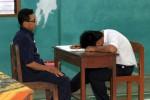 UN 2013 : Ada Masalah Keluarga, 2 Peserta UN Terpaksa Dijemput