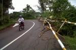 Jalan Karanganyar-Wonogiri Longsor, Tak Kunjung Diperbaiki