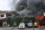 MAPOLRES OKU DIBAKAR : Pekan Depan, 20 Tersangka Pembakaran Jalani Sidang