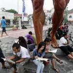 KABUPATEN LITERASI : Wow, 14.000 Siswa di Sragen Aksi Membaca di Jalan