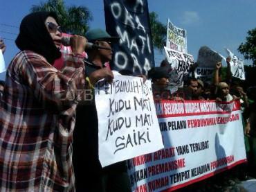 Foto Demo Warga Tuntut Pembunuh Dihukum Mati  JIBI/Harian Jogja/Sunartono