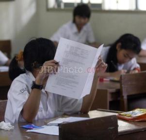 Foto Ilustrasi Siswa Membaca Soal Ujian  JIBI/Solopos/Burhan Aris Nugraha